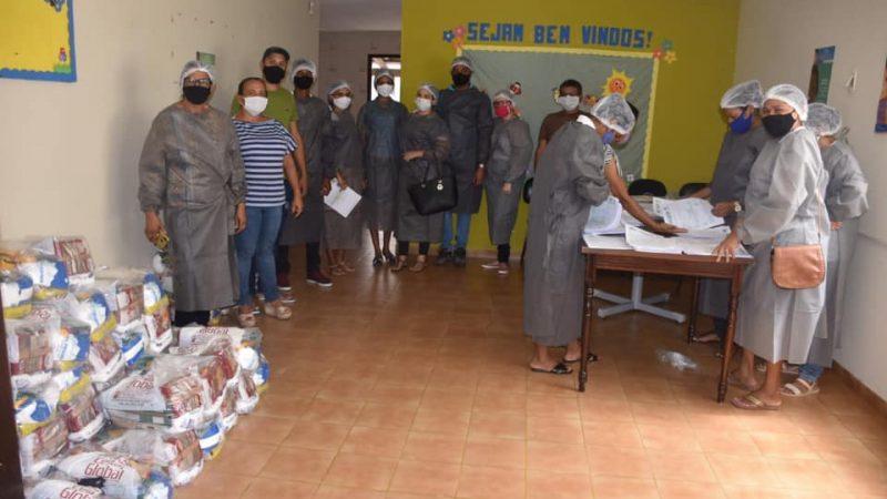 Cestas básicas distribuídas pela prefeitura beneficiam famílias carentes de Nazaré.