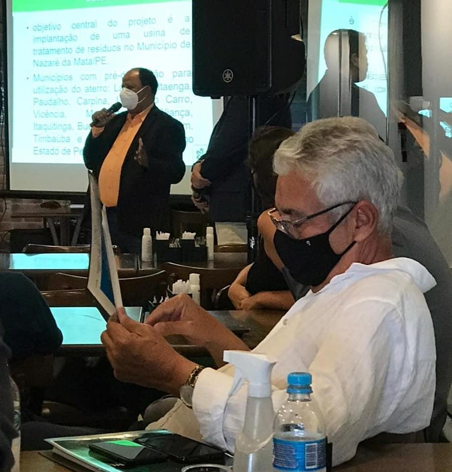 Fim dos lixões: Prefeitos se reúnem em Carpina para fortalecer consórcio para destinação dos resíduos sólidos.